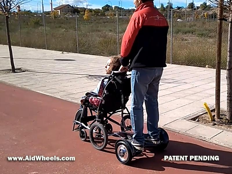 hoverboard para silla de ruedas pasear