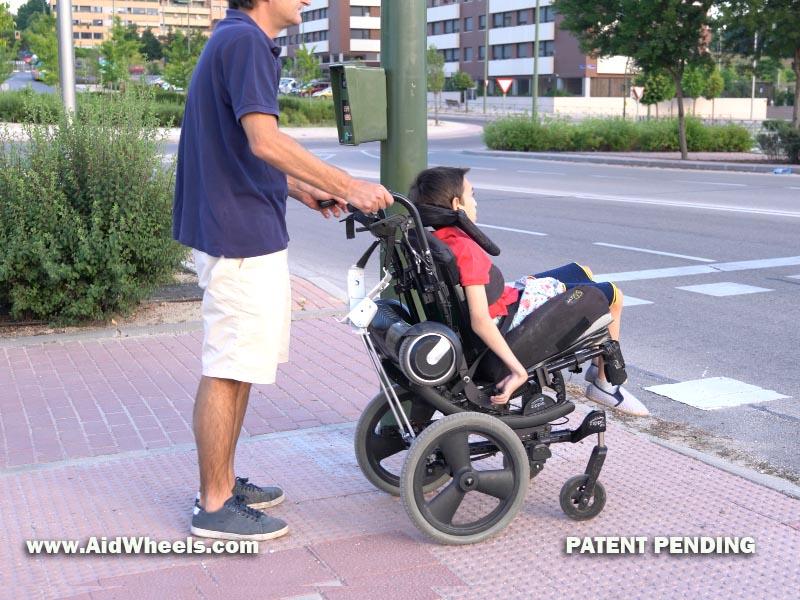 silla de ruedas y patinete electrico aidwheels